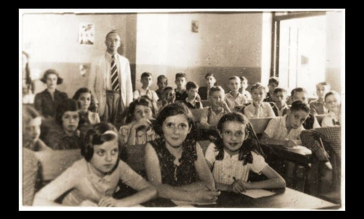 A Hebrew language class at an upper school in Kinchow Road, Shanghai, 1941