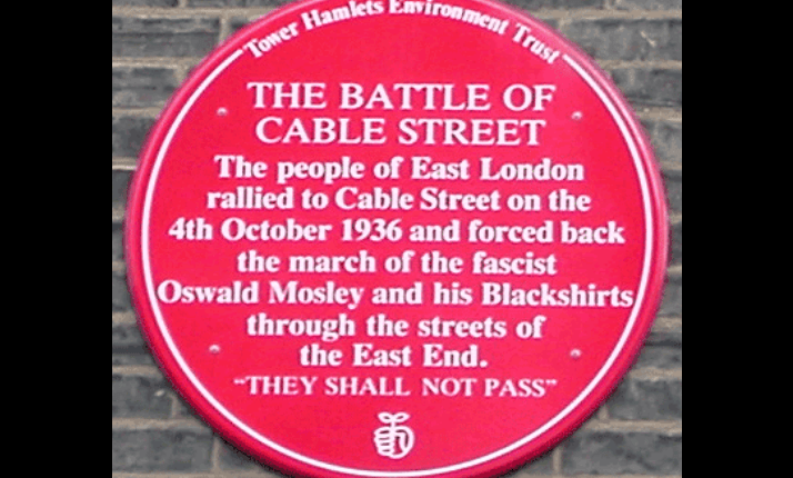 A plaque commemorating the Battle of Cable Street, October 1936.