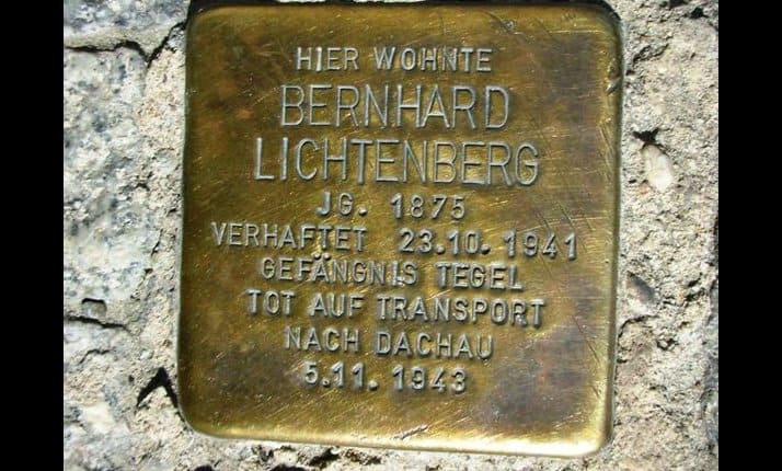This Stolpersteine marks the Berlin home of Bernhard Lichtenberg who was born in 1875. He was transported to Dachau concentration camp on 5 November 1943. (See below for detailed explanation)