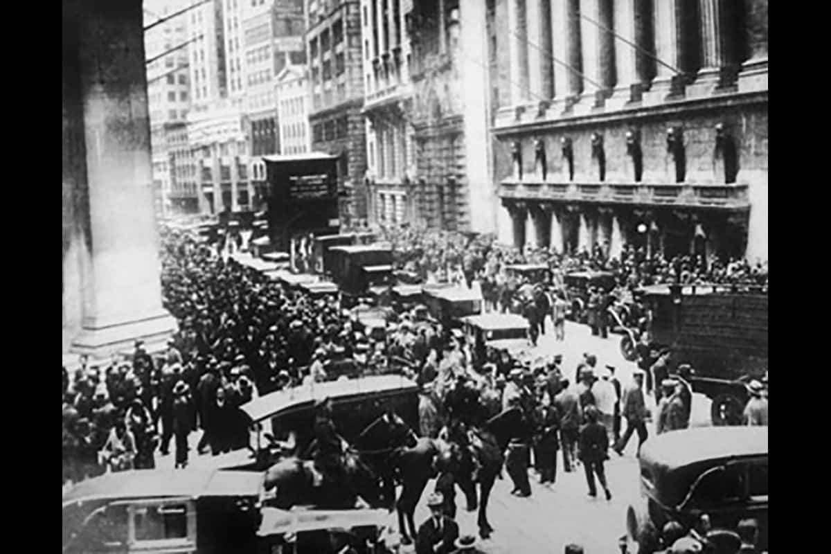 A crowd gathered outside Wall Street in New York City on the 25 October 1929 as the stock market crashed.