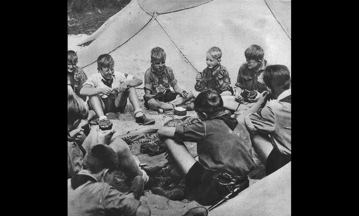As well as taking part in sports and learning Nazi ideology, the Hitler Youth carried out camping trips.