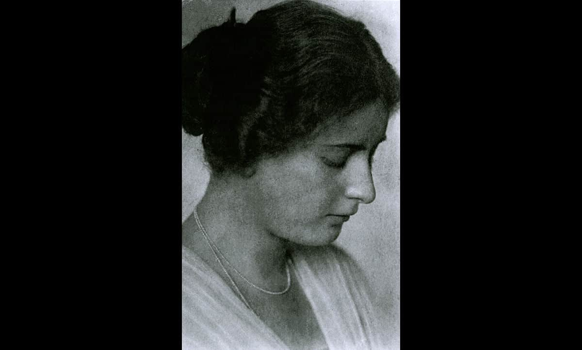 A pre-war portrait of Gerta Pollak, neé Elischak.