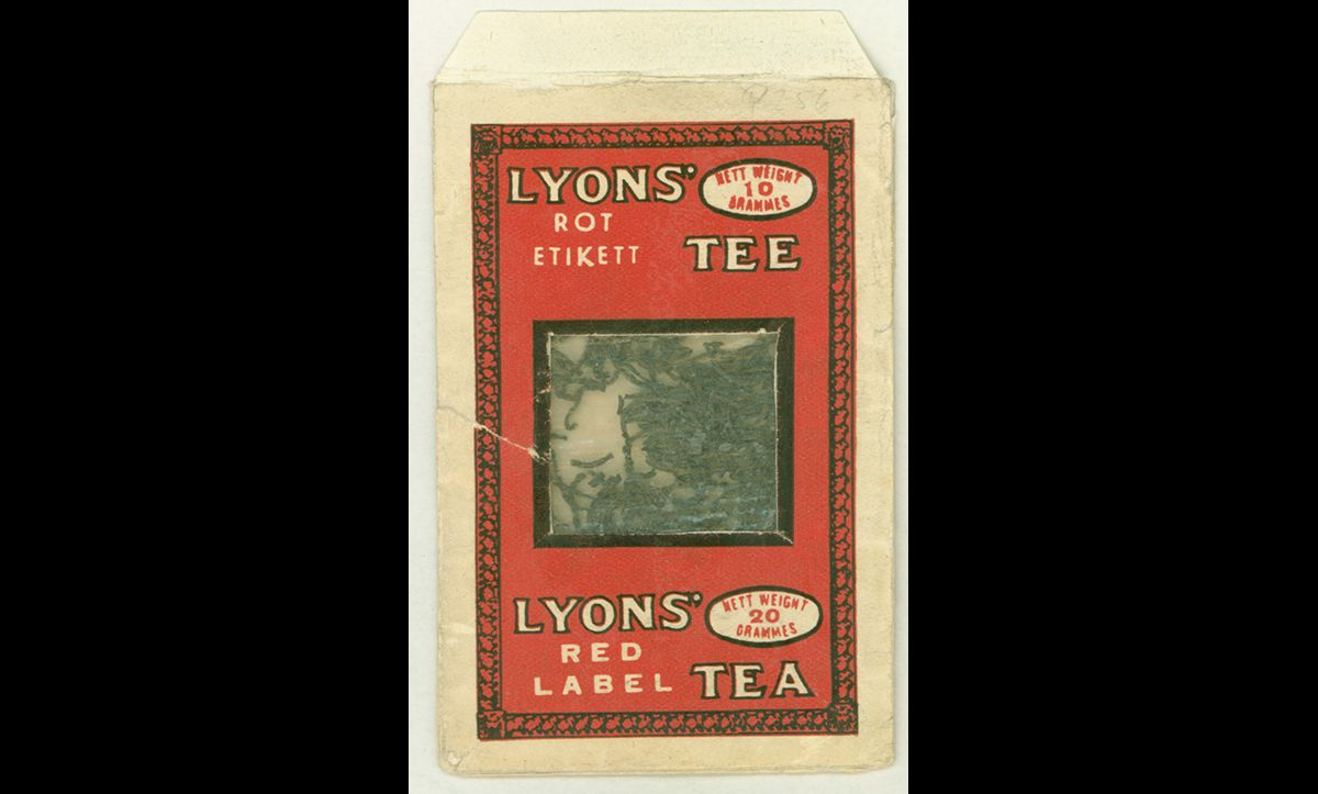 This tea sample of Lyons Tea is an example of Tarnschriften. The tea packet conceals the anti-war and anti-fascist propaganda inside.