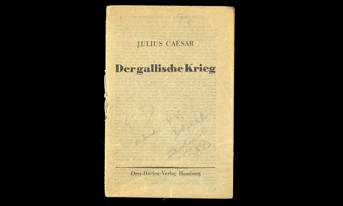 Published in 1933, this piece of Tarnschriften is disguised as a publication entitled 'The Gallic Wars' by Julius Caesar. However, inside, the pamphlet is a declaration of resistance by the Social Democratic Party who had been recently banned by the Nazis.