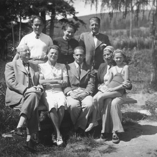 Eugen and Helene Fürze, a family with Jewish roots, relax with their family and friends. This photo was taken in the 1930s in Susice, Czech Republic.