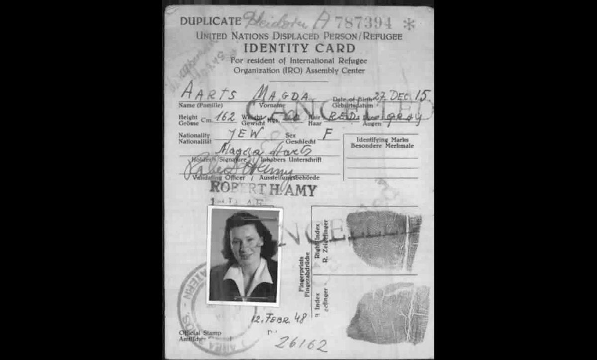 To receive aid, all Displaced Persons were registered by the United Nations Relief and Rehabilitation Administration (UNRAA), the international organisation in charge of administering relief and aid. This card was issued to Magda Aarts, a 33-year-old Jew from Holland on 12 February 1948.