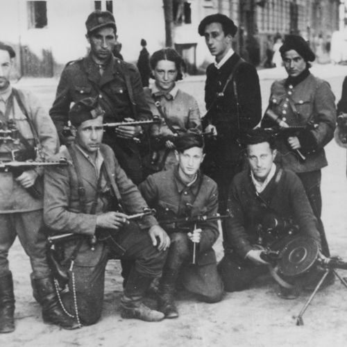 Jewish Lithuanian partisan group 'The Avengers' on their return to Vilna at the time of the liberation of the city by the Red Army, July 1944.