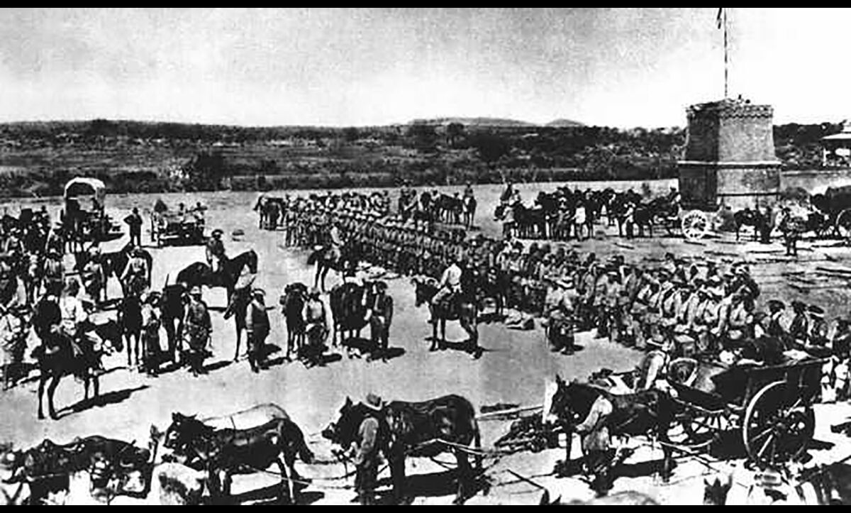 A photograph showing German forces gathered in GSWA to join in the conflict against the Herero people in 1904.